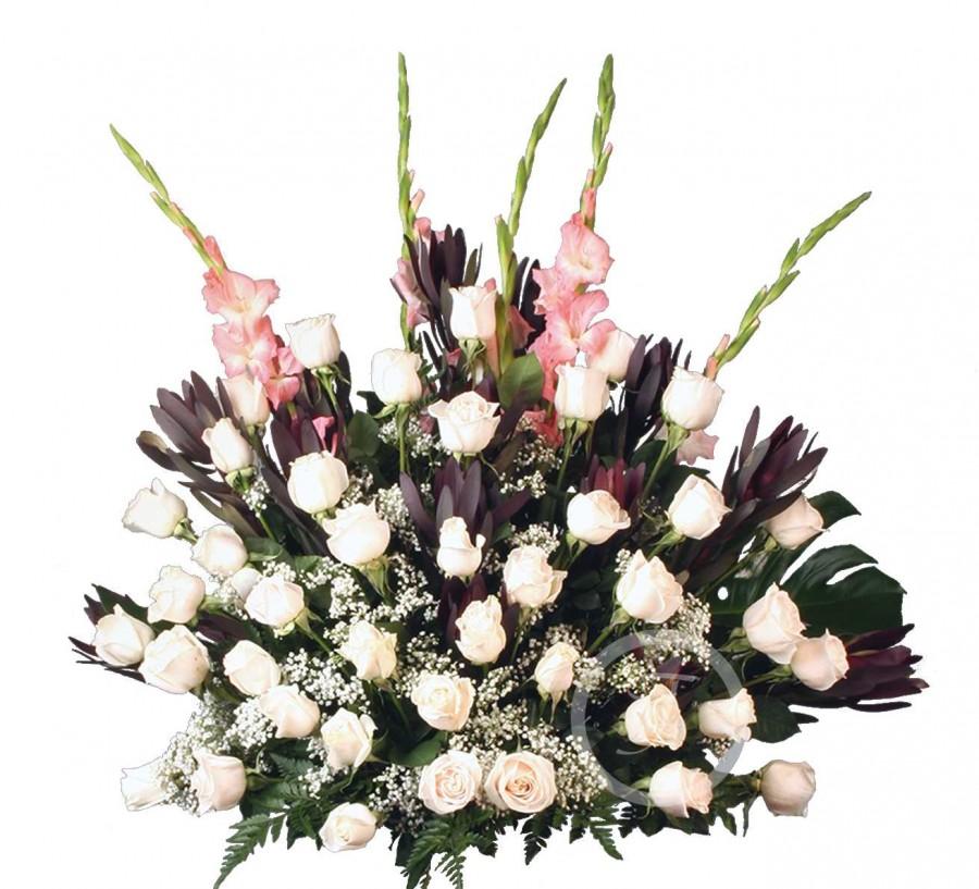 Centro Funerario con Rosas Blancas